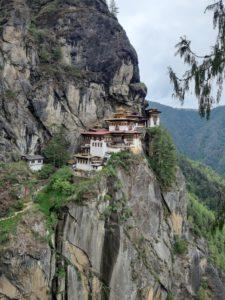 """Monastero di Taktsang, noto anche con il soprannome di """"Tana della Tigre"""""""